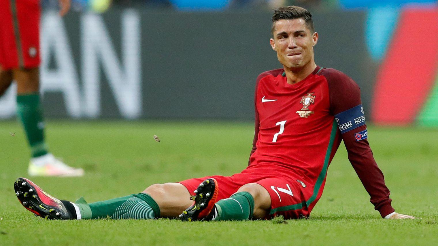 Euro 2016 Les Larmes De Douleur Et De Joie De Cristiano Ronaldo