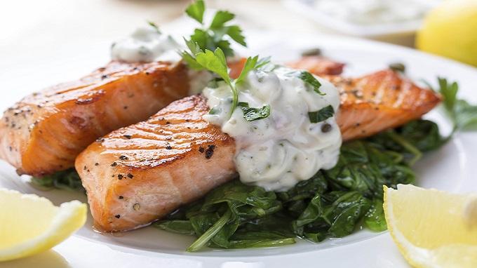 Le saumon frais est loin d'être irréprochable — Manger bio