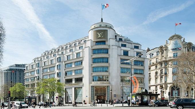 e9c04647d6b07 Paris : Coup de feu dans le prestigieux magasin Louis Vuitton des ...