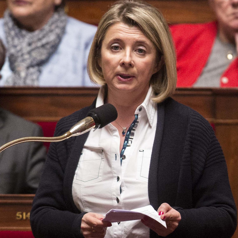 Une députée décède en plein discours lors d'une réunion d'En Marche — Présidentielle