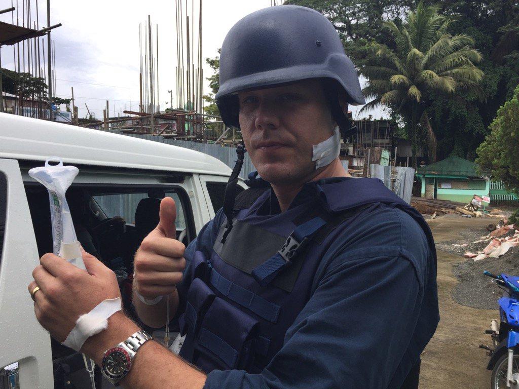 L'incroyable image d'un homme atteint d'une balle dans le cou — Philippines