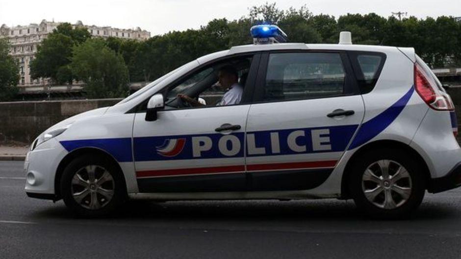 Le cadavre d'une femme découvert au sous-sol d'un immeuble à Paris
