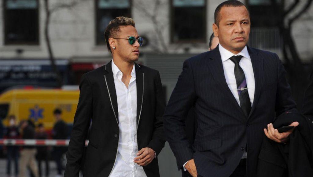 Transfert: la France attend Neymar, l'Espagne gronde