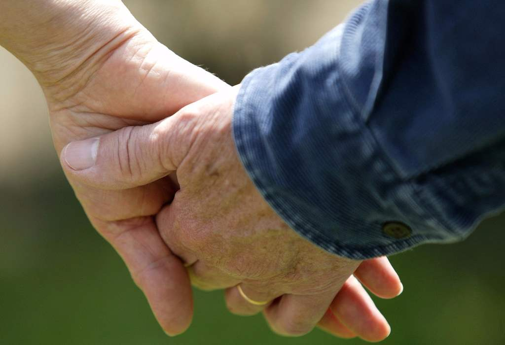 Mariés depuis 75 ans, ils décèdent le même jour — Canada