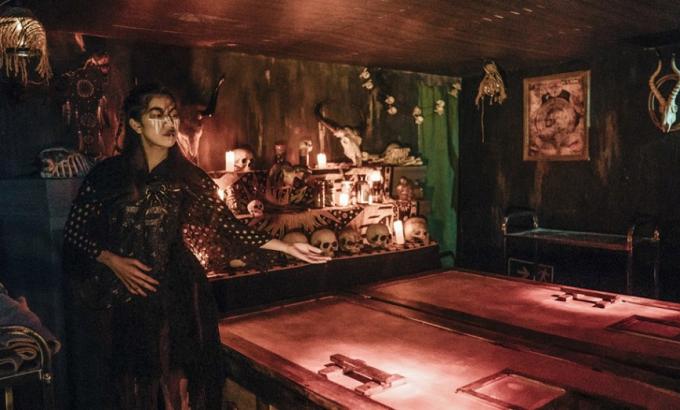 Mort mystérieuse dans la maison hantée d'un parc d'attraction — Hong Kong