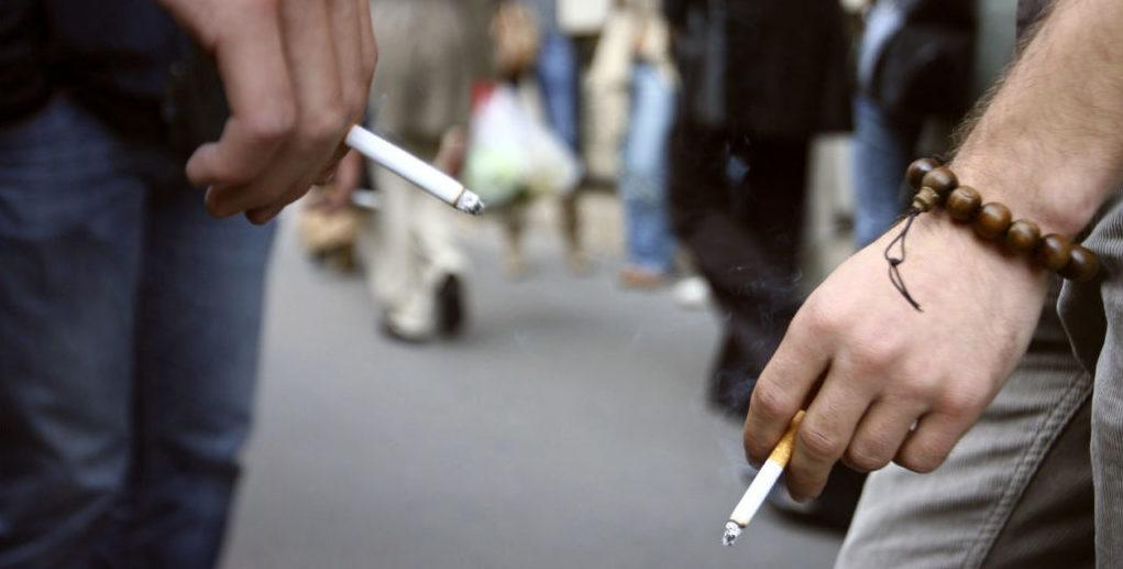 Les jeunes pourront de nouveau fumer dans l'enceinte de leur lycée