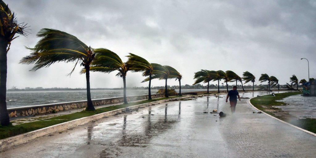 Irma : Macron en chef de chantier aux Antilles sur Orange Actualités