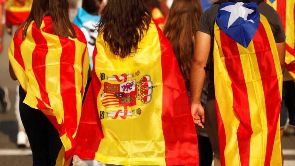 La Catalogne déclare son indépendance, des milliers de Catalans en joie