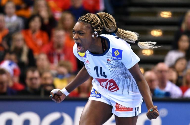 Photos : Handball : les Bleues sacrées championnes du monde !