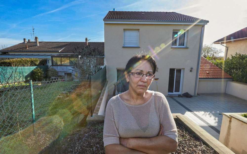France : elle doit raser sa maison qui fait de l'ombre à sa voisine