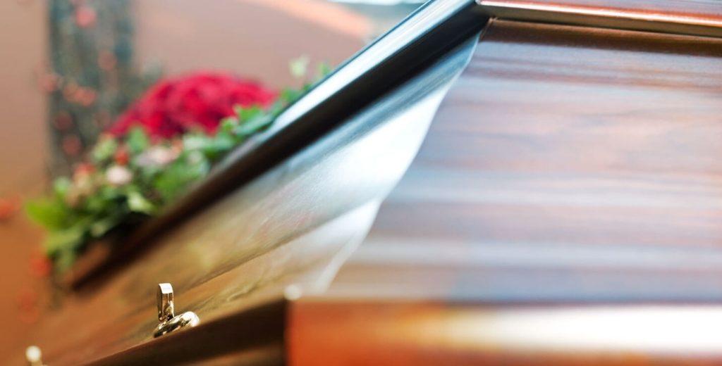 Un cercueil vide retrouvé en contrebas d'une départementale à Serralongue