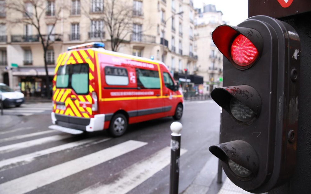 Des parents découvrent leur bébé inerte chez la nourrice — Paris
