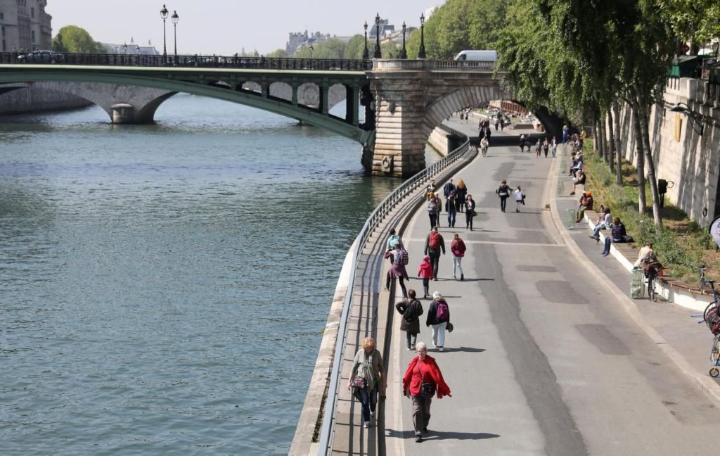 fermeture des voies sur berges annul e paris anne hidalgo veut prendre sans attendre un. Black Bedroom Furniture Sets. Home Design Ideas