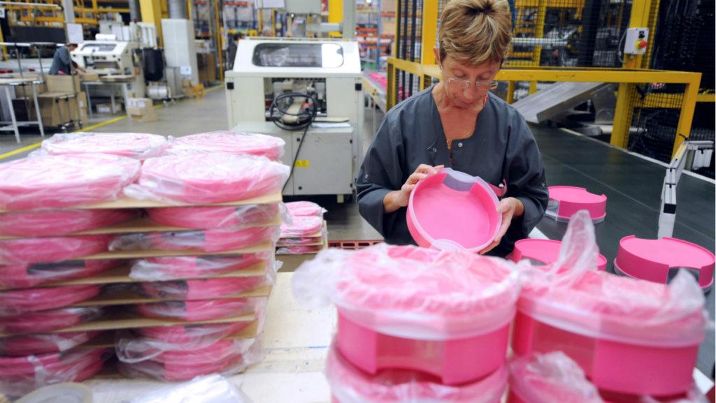 L'usine française ferme — Tupperware