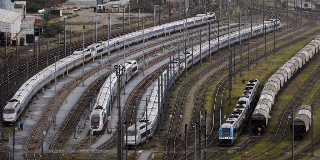 668049b5b2c Réforme de la SNCF   Edouard Philippe annonce le recours aux ...