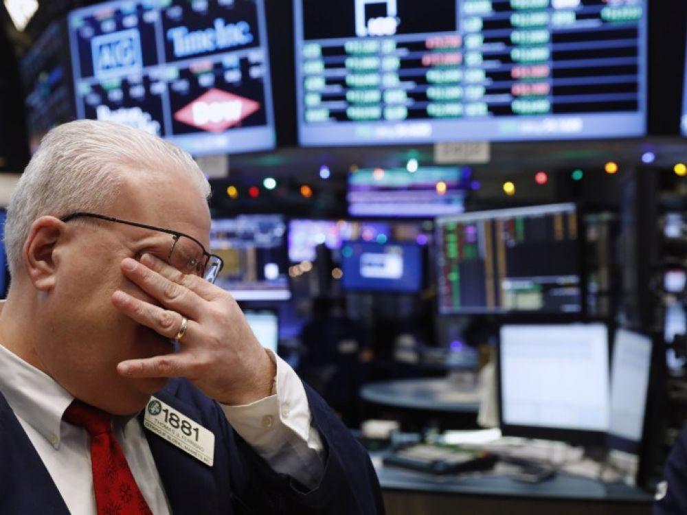 Wall Street La Bourse De New York En Chute Libre