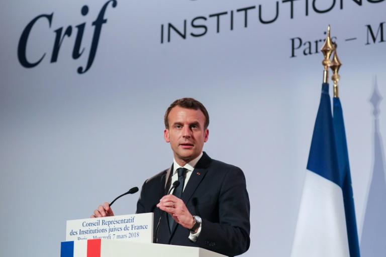 Dîner du Crif: Macron s'engage contre l'antisémitisme