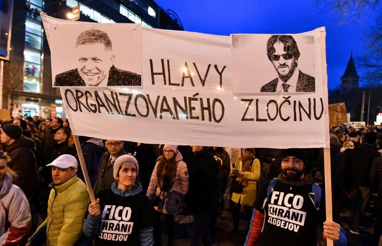 Le ministre de l'Intérieur Robert Kalinak démissionne — Journaliste slovaque assassiné