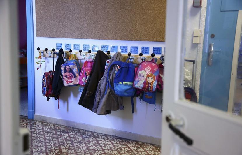 Une adolescente kidnappe un enfant de 3 ans dans son école — Marseille