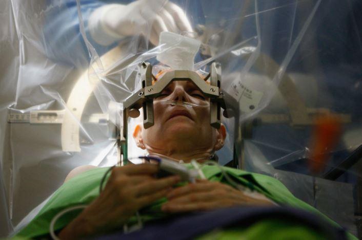 Un patient récupère après avoir été opéré par erreur du cerveau au Kenya