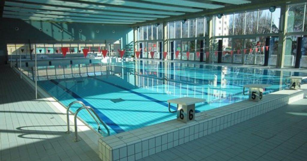 Belgique renvoy es de la piscine cause de leurs tenues for Bruxelles piscine