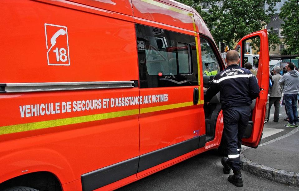 Paris un cambrioleur retrouv mort dans une chemin e for Drame dans un miroir