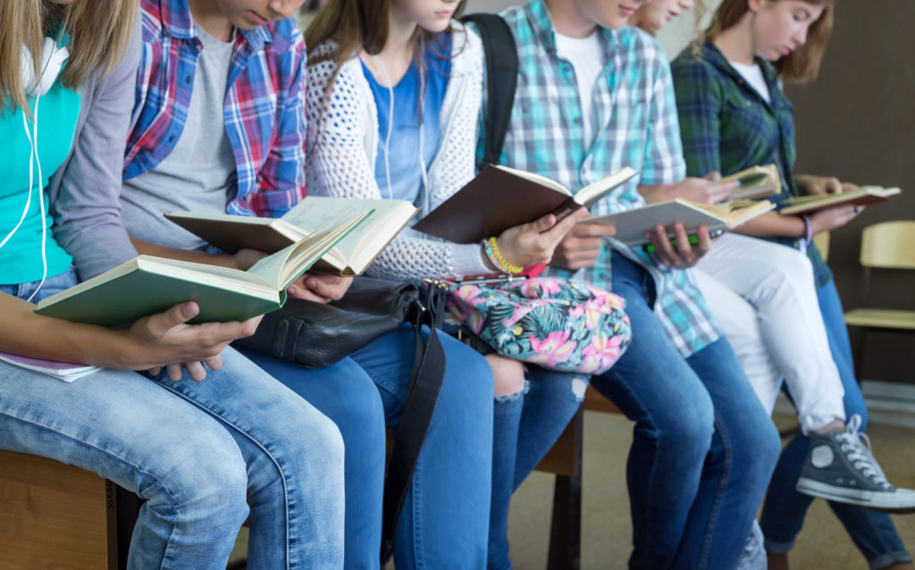 Le roman, toujours plébiscité par les jeunes adultes — Lecture