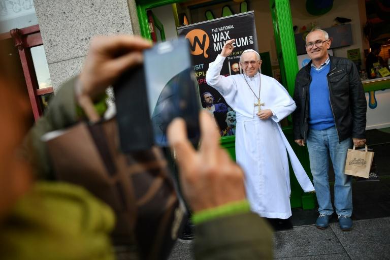 le pape fran ois en irlande en pleine tourmente sur les abus du clerg minutenews. Black Bedroom Furniture Sets. Home Design Ideas