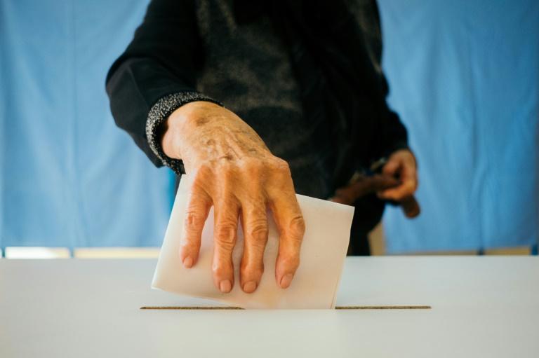 L'abstention fait échouer un référendum contre le mariage pour tous — TÊTU | Roumanie
